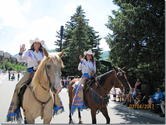 Horse-Hotties-4th-Of-July-Parade-Vail-2017