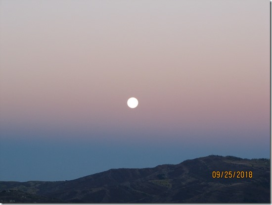 Moon-Setting-Over-Cordillera-25SEPT2018